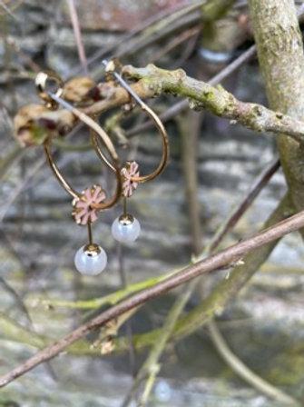 Fashion hoop earrings,with faux pearl.
