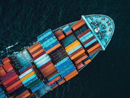 China fecha porto por causa de Covid e causa engarrafamento de 350 navios