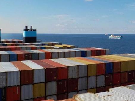 Atrasos na devolução de containers causam transtornos e aumento de custos, alerta longo curso