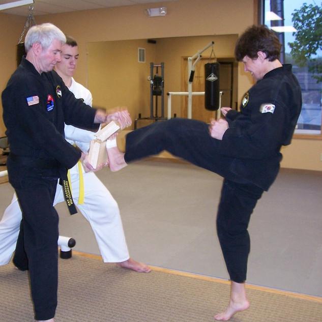Master Stevens-Lt. Front Kick (3 Boards)