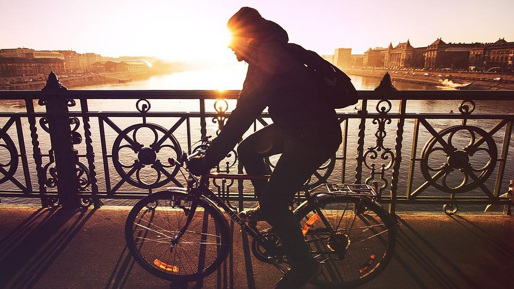 usa la bicicleta y toma power me de vivri