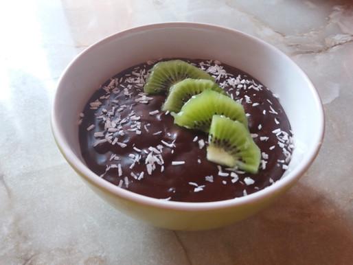Budyń czekoladowy z kiwi