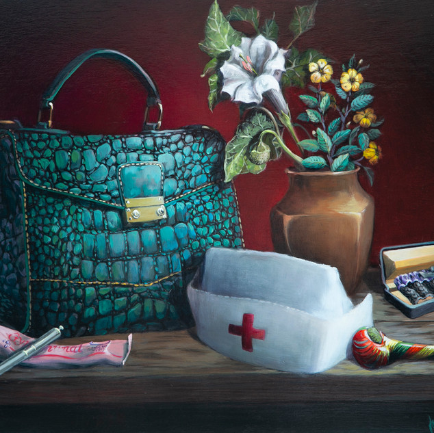 NURSE WITH A PURSE