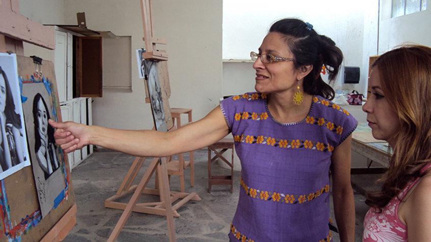 clases en dibujo de la figura humana y retrato con la Maestra Isis Rodríguez en San Miguel de Allende, México.