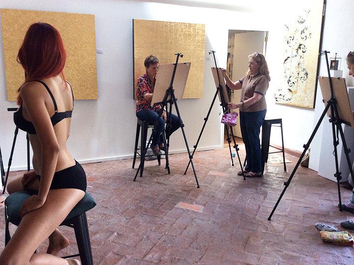 Una de las mejores clases de arte de la maestro Isis Rodríguez: el dibujo de la figura humana.