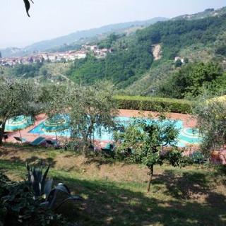 Pool over looking Massa e Cozzile tuscan hills