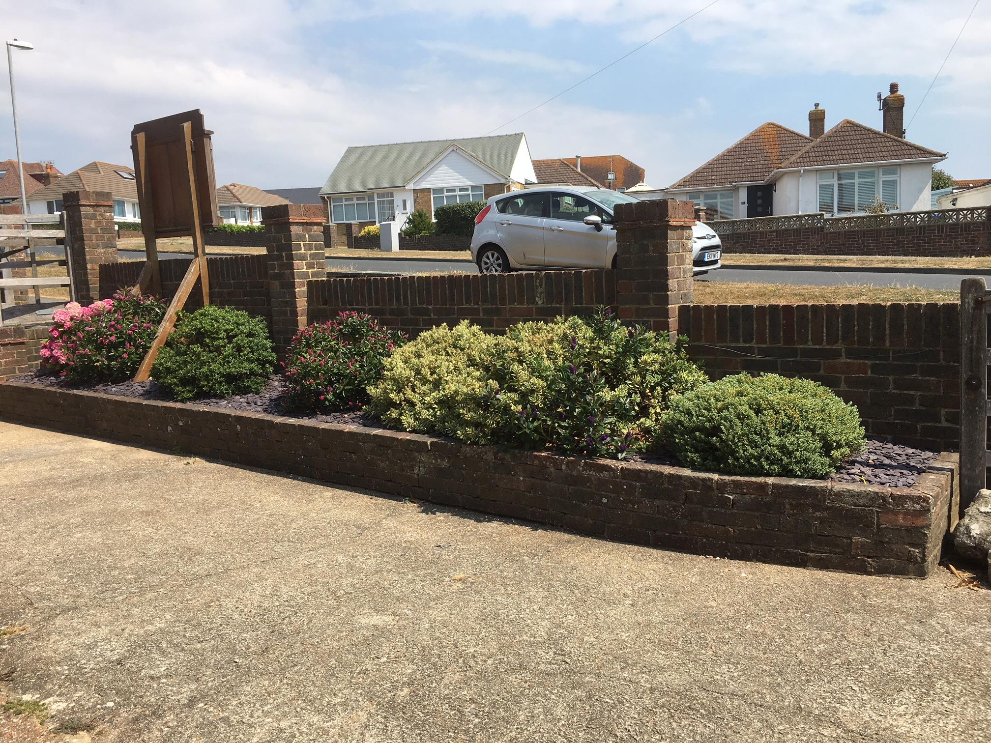 Flower & shrub border