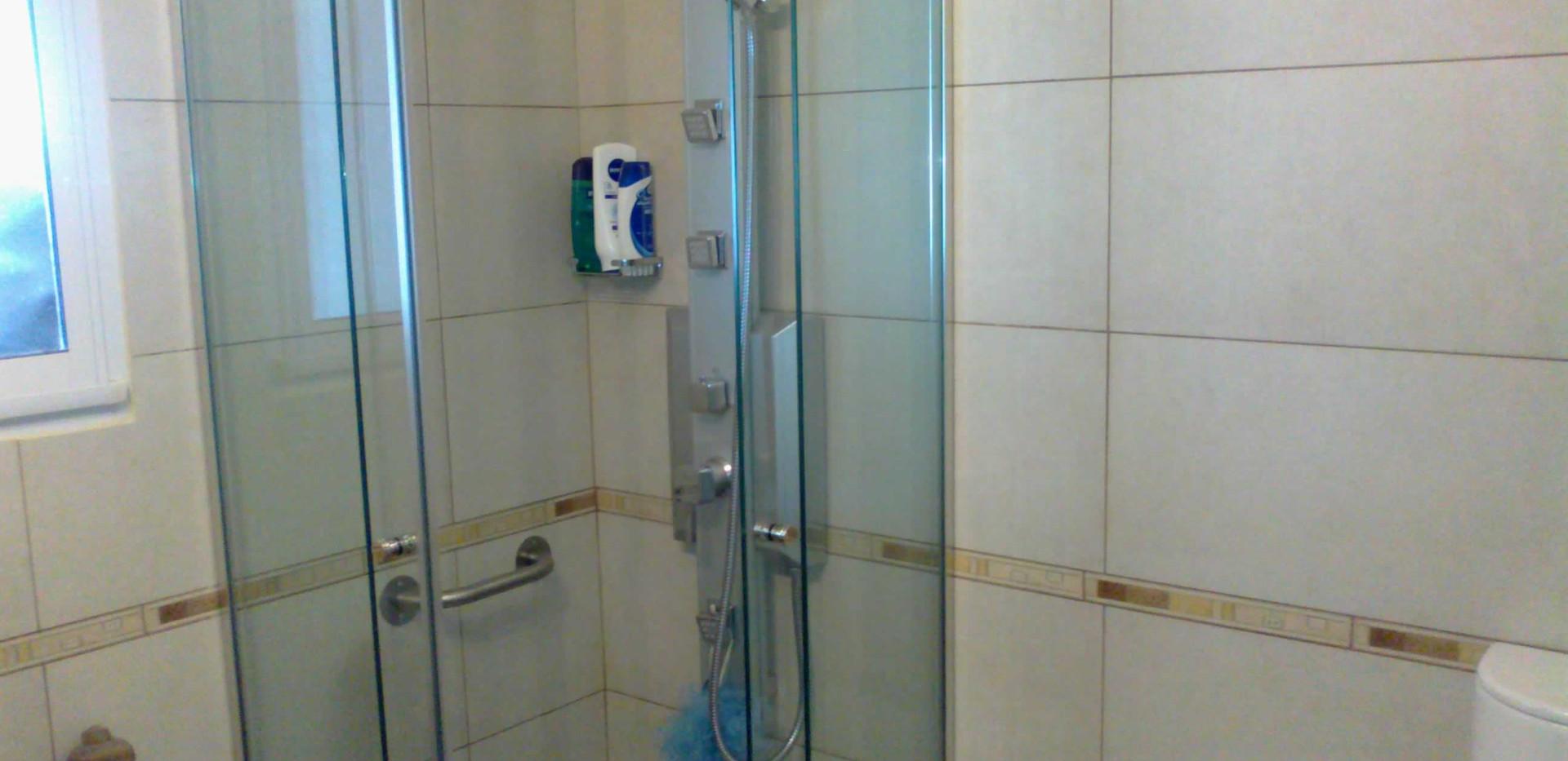 mamparas para baños pequeños