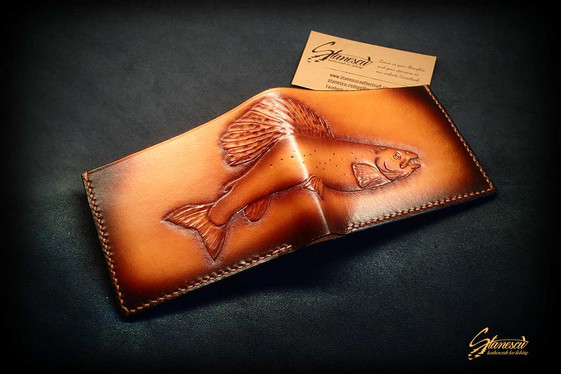 Fly-fishing-leather-wallet-grayling-02.j