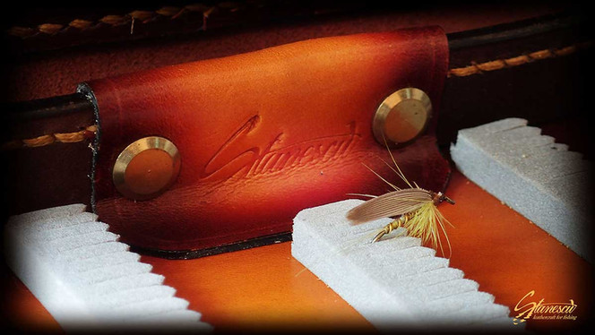 Fly-fishing-leather-hybrid-flybox_03.jpg