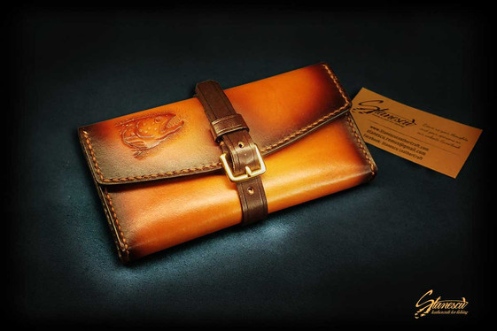 Fly-fishing-leather-tobacco-pouch-01.jpg