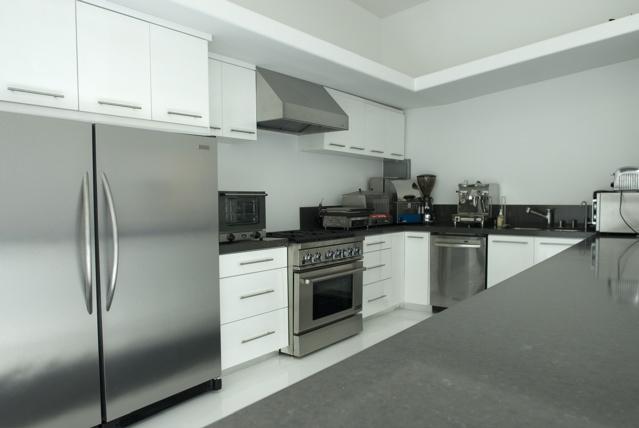 Stage 5, Kitchen
