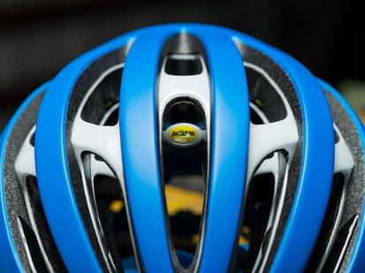 http-__coresites-cdn.factorymedia.com_rcuk_wp-content_uploads_2017_04_RCUK100-Bell-Zephyr-helmet-3.jpg