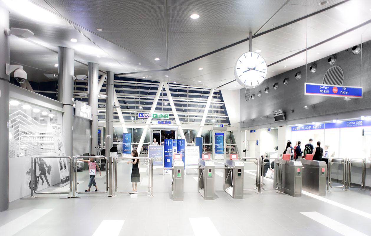 004-Entrance-hall-2-(Dana-Polo)_SDEROT.j