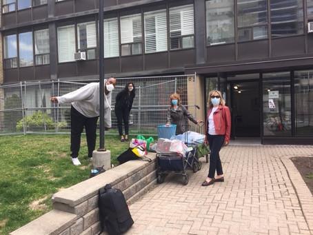 Yonge-Eglinton neighbourhood steps up to help new neighbours