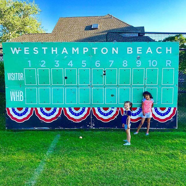 Cool Hamptons Girls 🏖👧🏼👧🏽🤷🏻♂️ #h