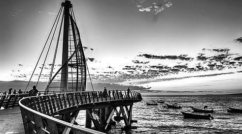 Muelle_Puerto_Vallarta-1-900x500_edited.