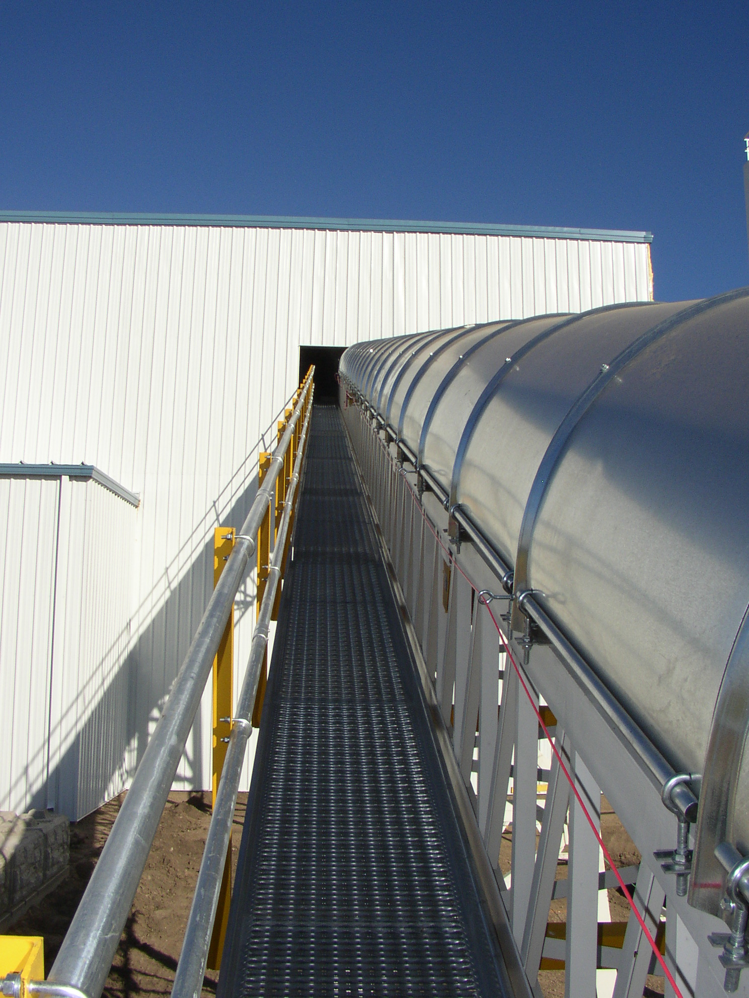 Plant Feed Conveyor with Access