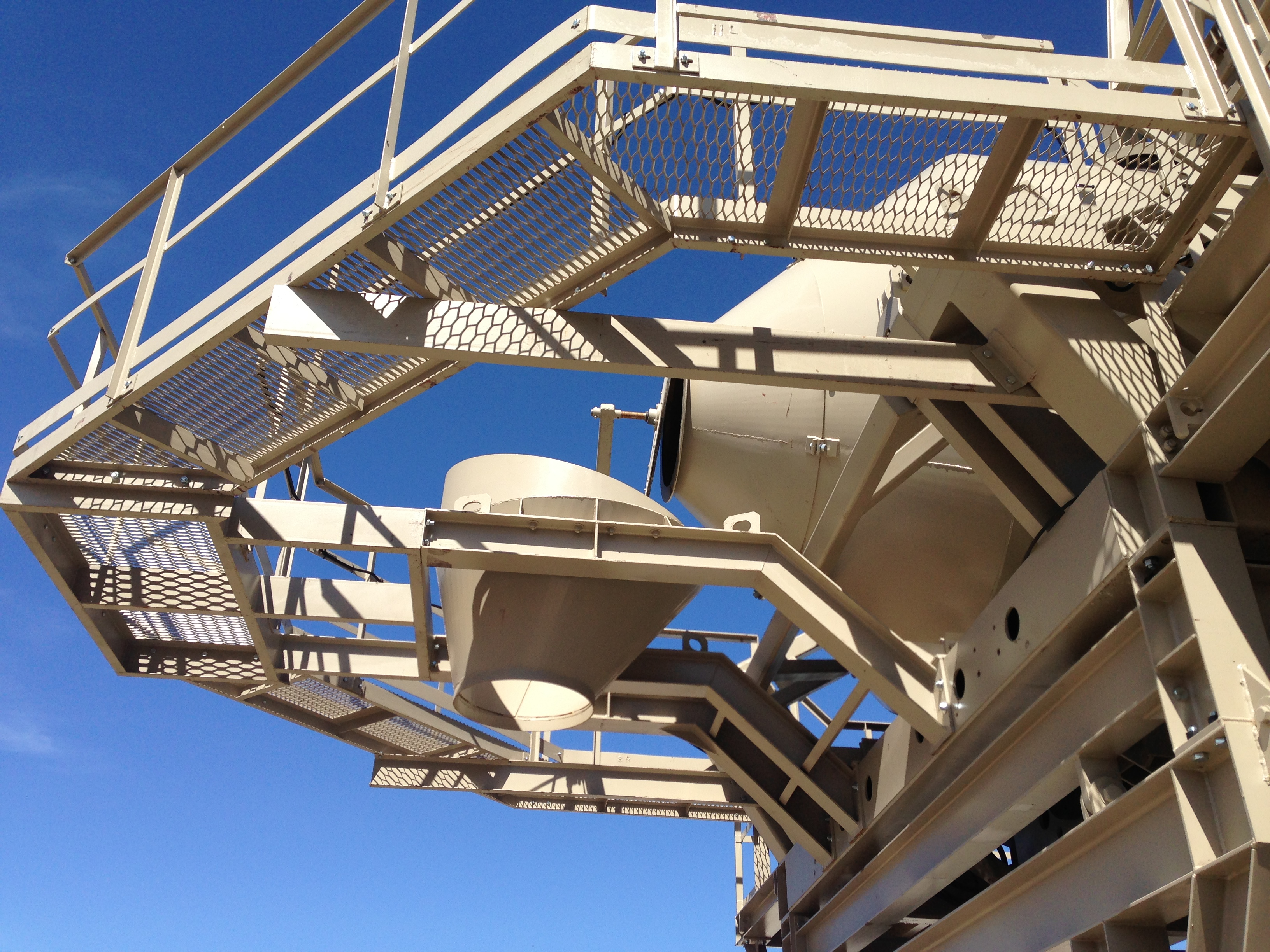 Access Platform Around Mixer