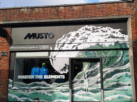 Musto Cowes has new store wrap