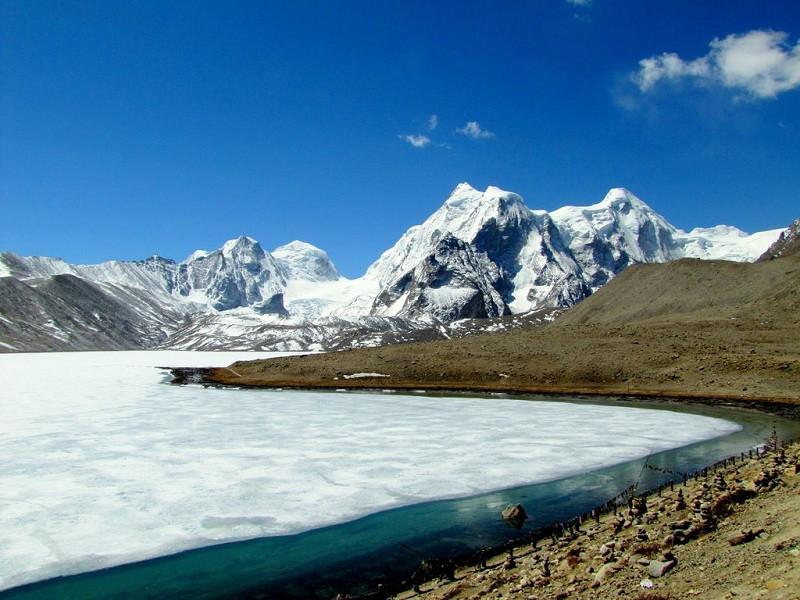 Gurudongmar-Lake-Frozen