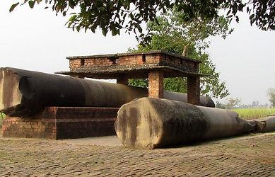 rampurva two destroyed ashoka pillars.jp