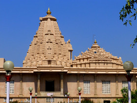 Pawapuri_-_013_Jaina_Temple_(9245758028)