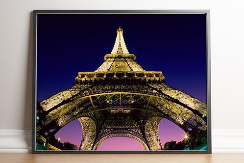 fotografia,Torre Eiffel,Eiffel Tower,vista de baixo,poster,gravura,reprodução,réplica,canvas,tela,pintura,fine art