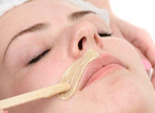Épilation lèvre supérieure