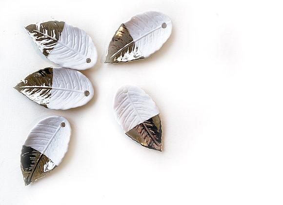Ceramic Leaves, Gold/White