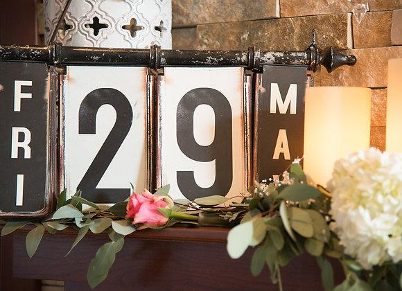 Date, Flip Sign