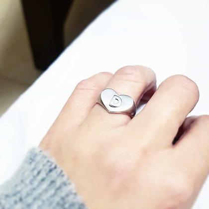 טבעת. חותם לב עינב