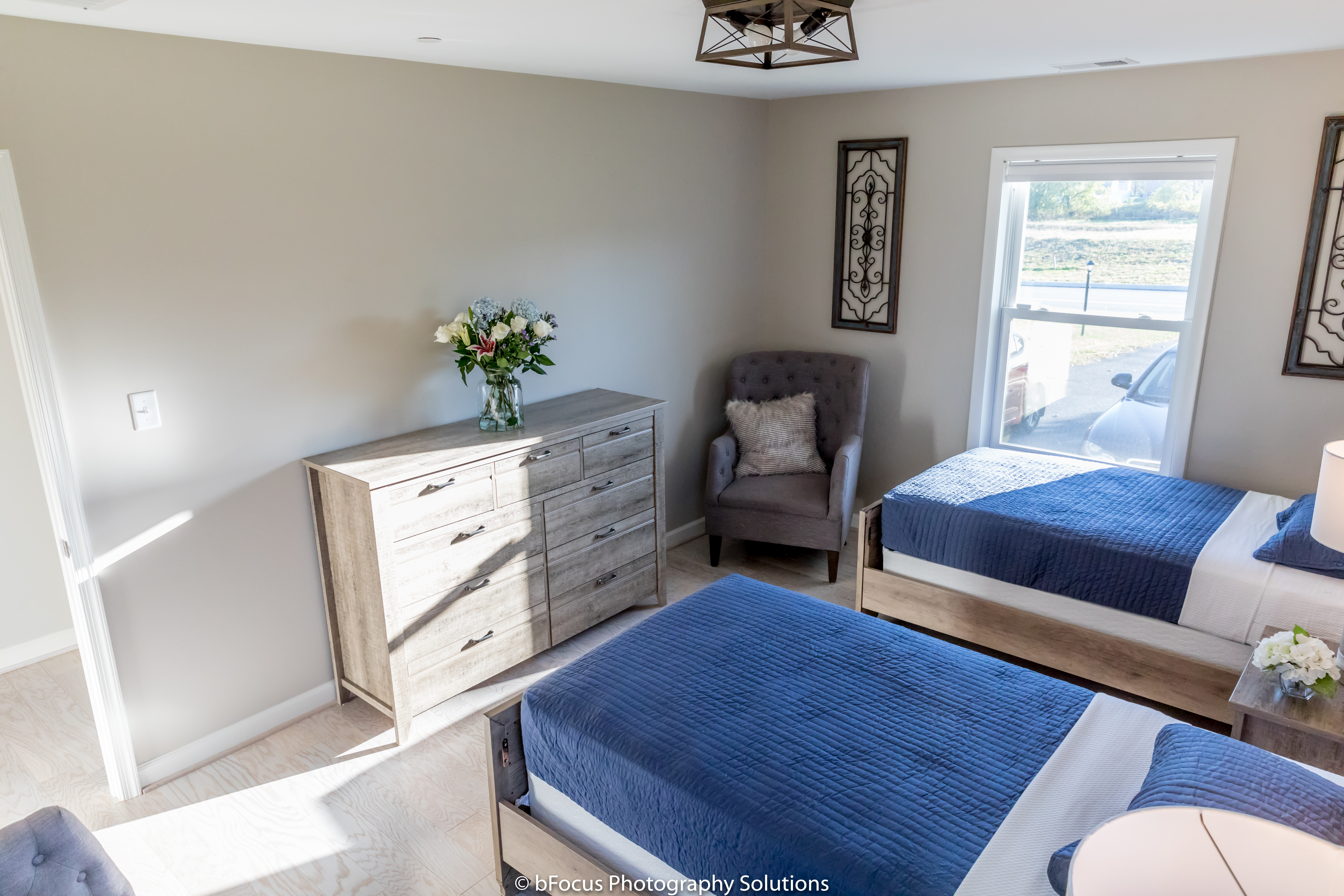 Double Bedroom with Shared Bathroom