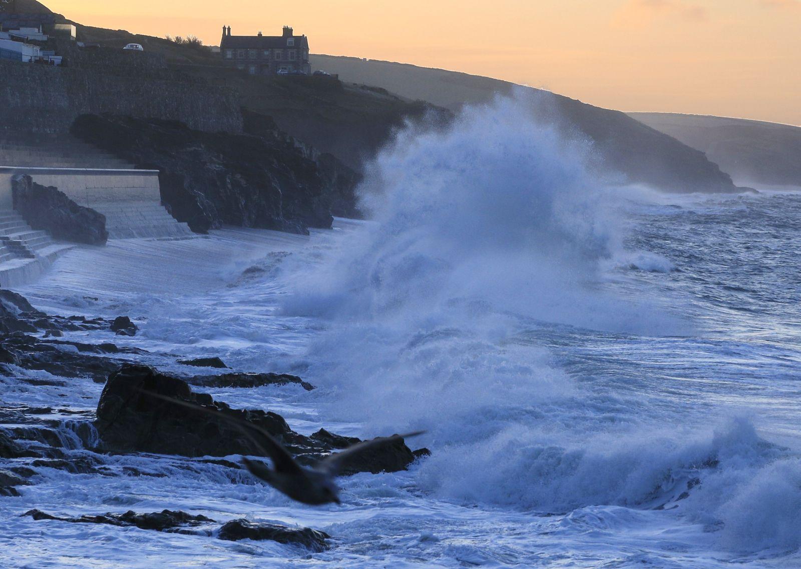 Stormy Seas - Wendy