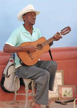 Cuban guitarist - Ann Glinn