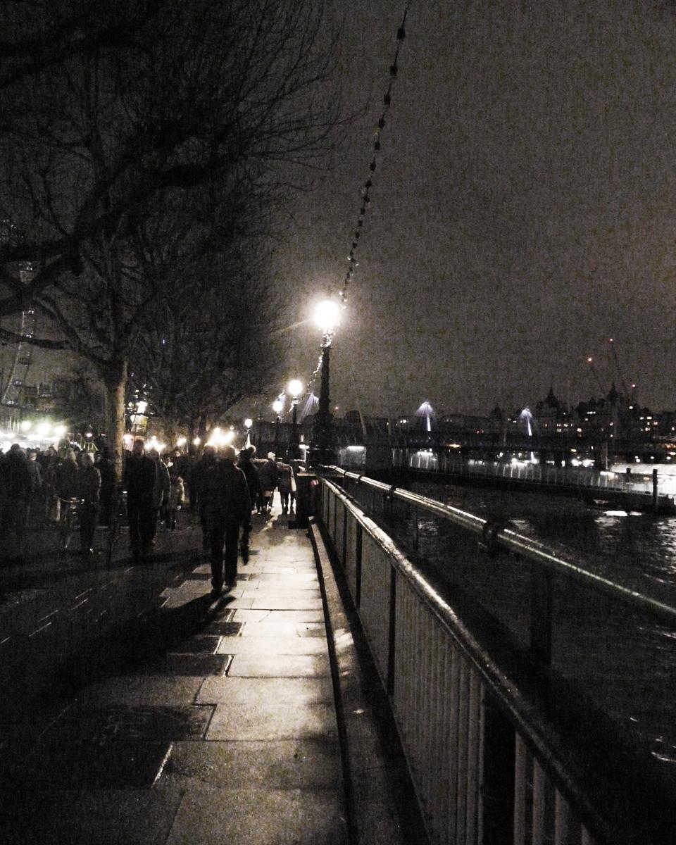 Mono A murky London night - Eve