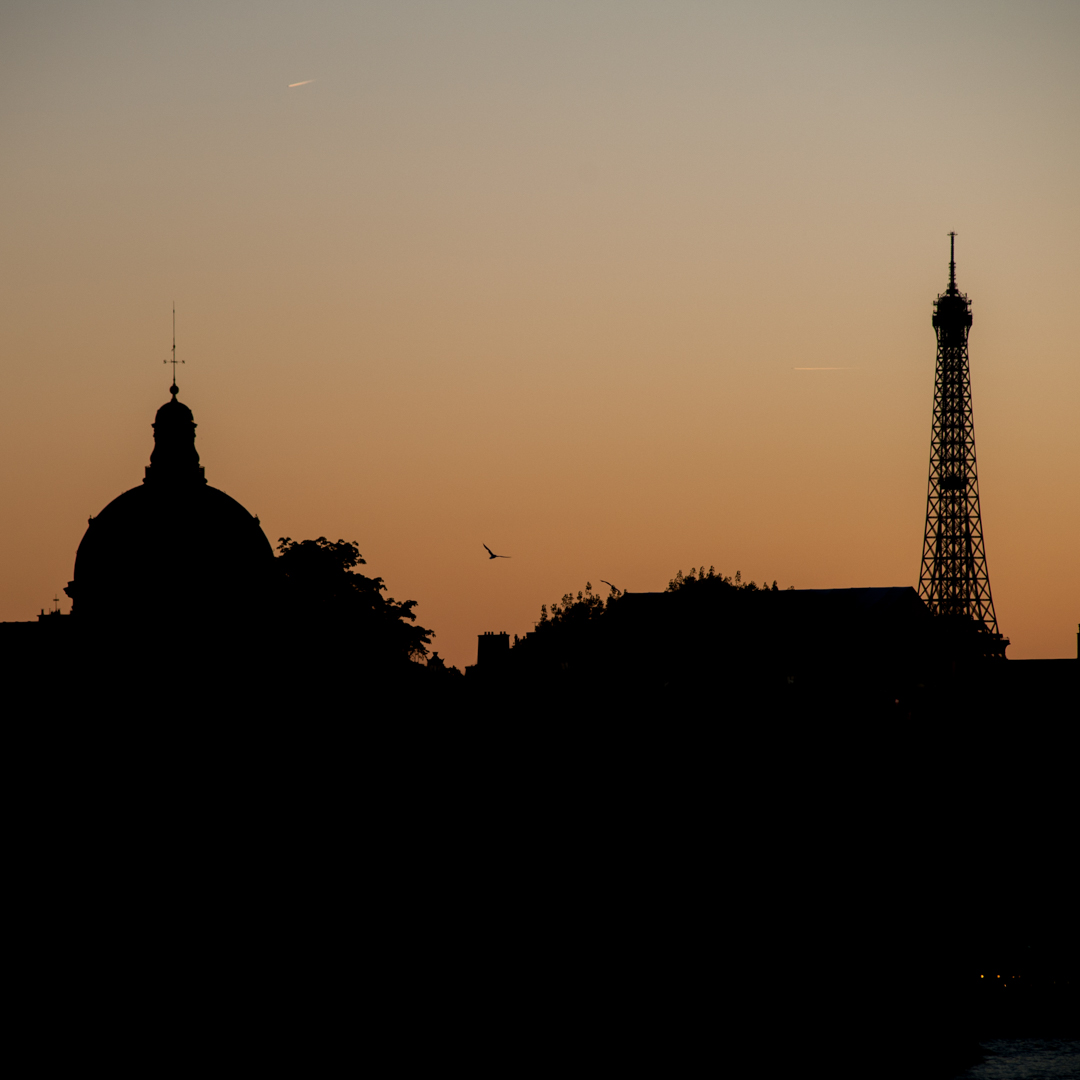 Colour Sunset in Paris - Maly