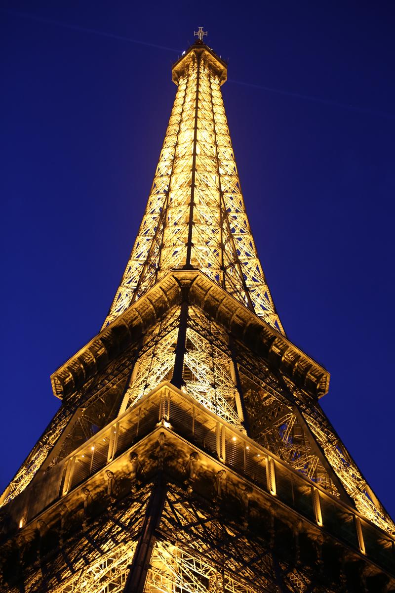 Colour Eiffel Tower - Wendy
