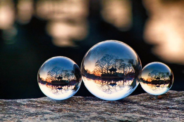 Reflections trio