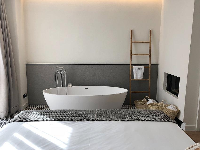 hotel suite boutique design luxe.jpg