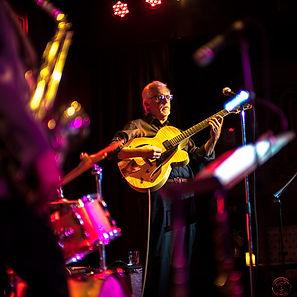Guitarist Riner Scivally
