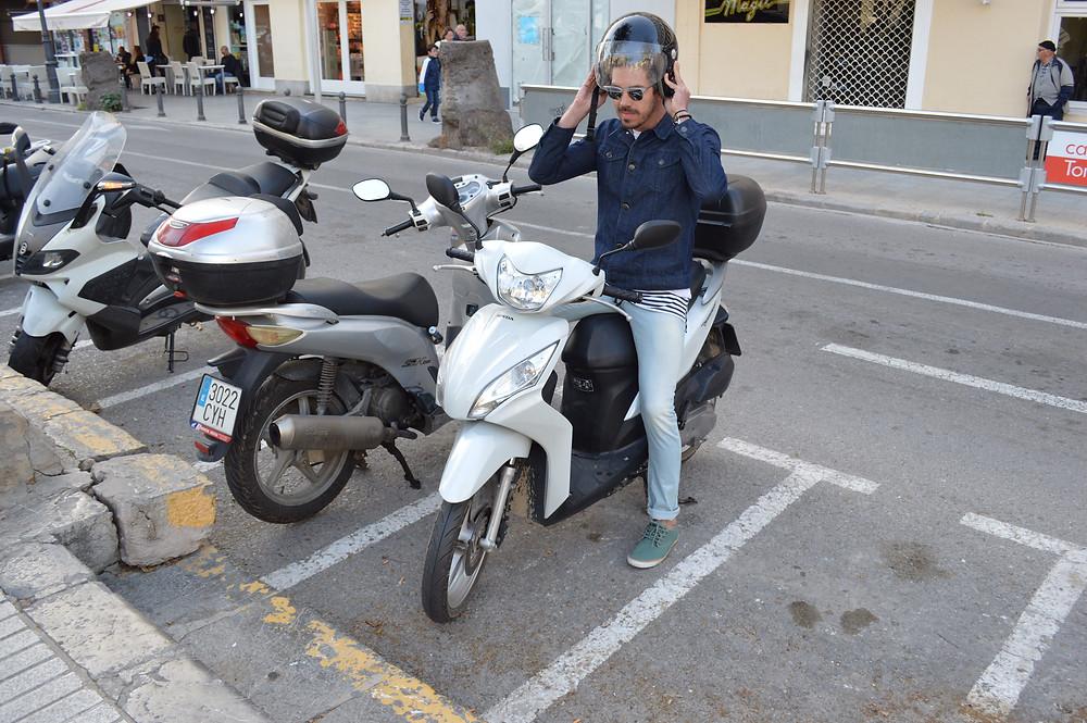 Cristiano_Félix_motoca_em_Ibiza.JPG