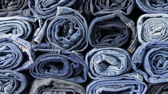 Apenas um par de jeans