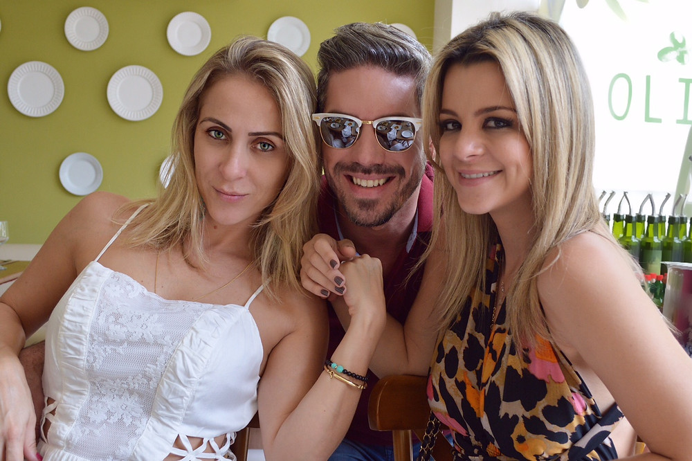Cristiano_Félix,_Flávia_Pipolo_e_Lorena_Santos.JPG