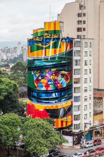 Kobra faz mural para Ayrton Senna e exposição relâmpago no Rio
