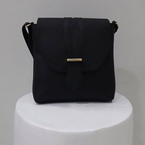 Black Solid Handbag