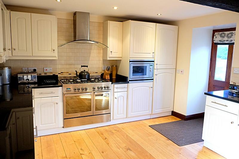 Kitchen Summerhill Court