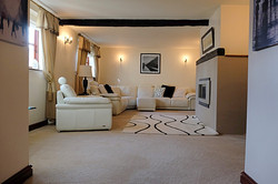Lounge Summerhill Court