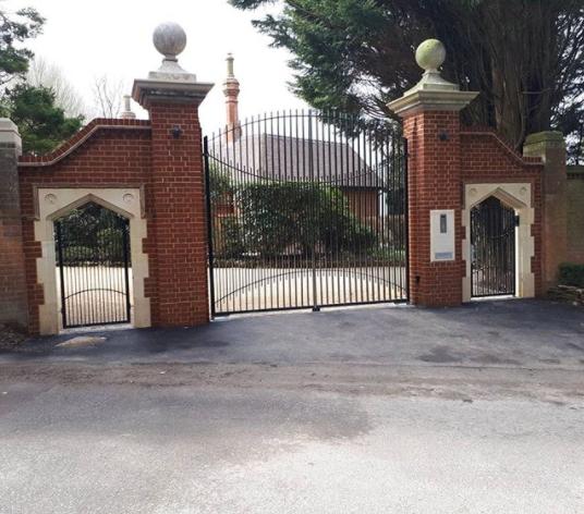 Entrance Gates & Brickwork