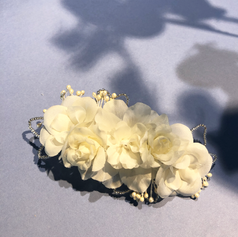 Hair clip with white flower